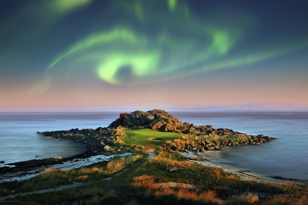 207_aurora_borealis_Lofoten_Links_Hires_JPG