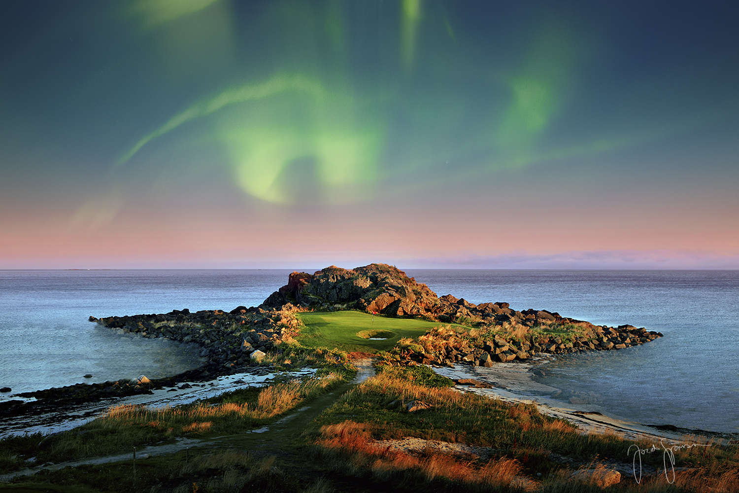 GOLF AND THE<br>NORTHERN LIGHTS