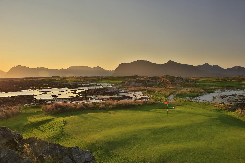 #GolfNonStopLofoten